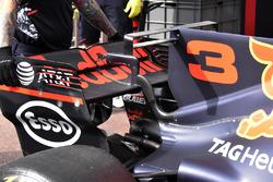 Red Bull Racing RB13, detalle del T-wing