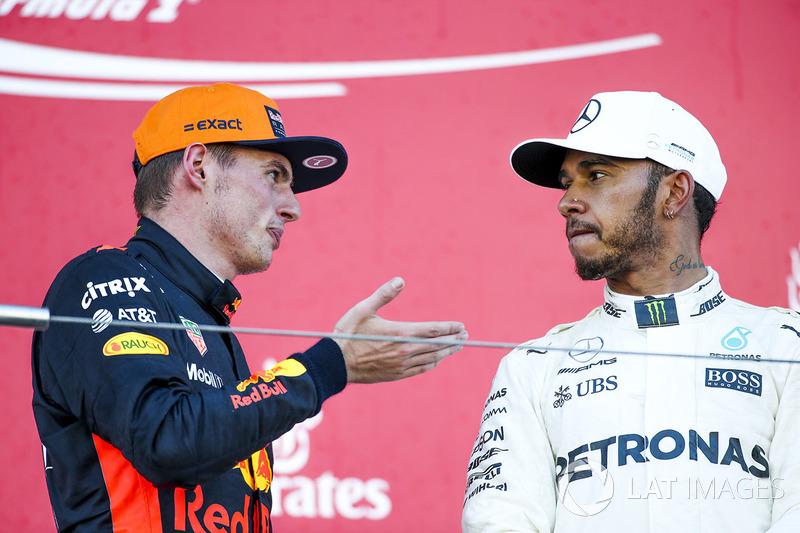 Max Verstappen, Red Bull en Lewis Hamilton, Mercedes AMG F1 op het podium