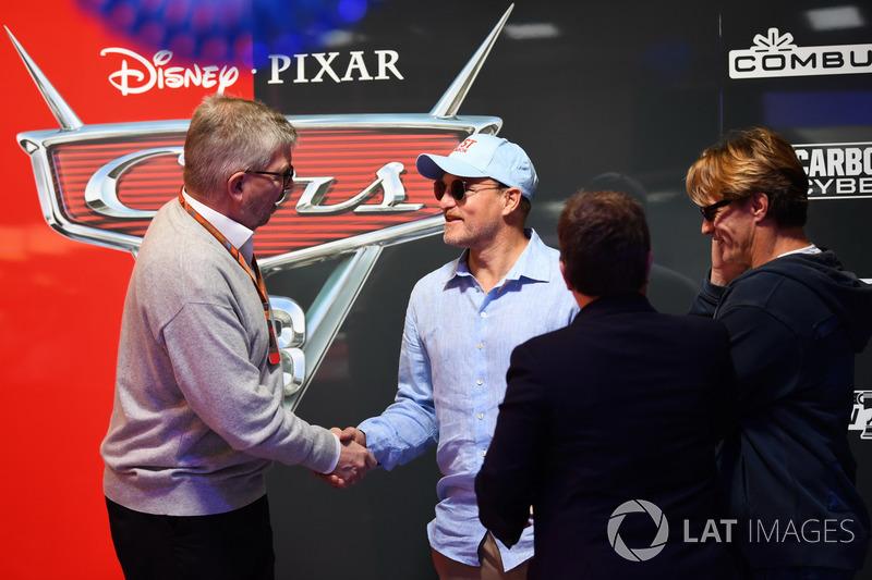 Ross Brawn, Formula One Managing Director of Motorsports, Kate Beavan, FOM and Woody Harrelson, Acto
