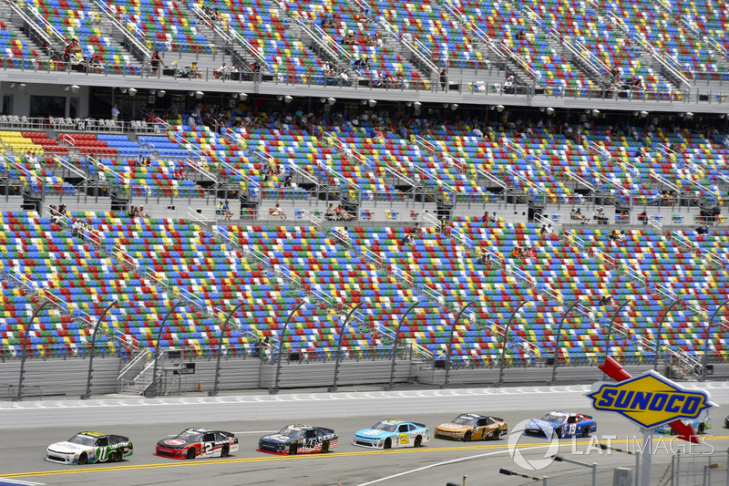 Blake Koch, Kaulig Racing Chevrolet and Ben Kennedy, GMS Racing Chevrolet