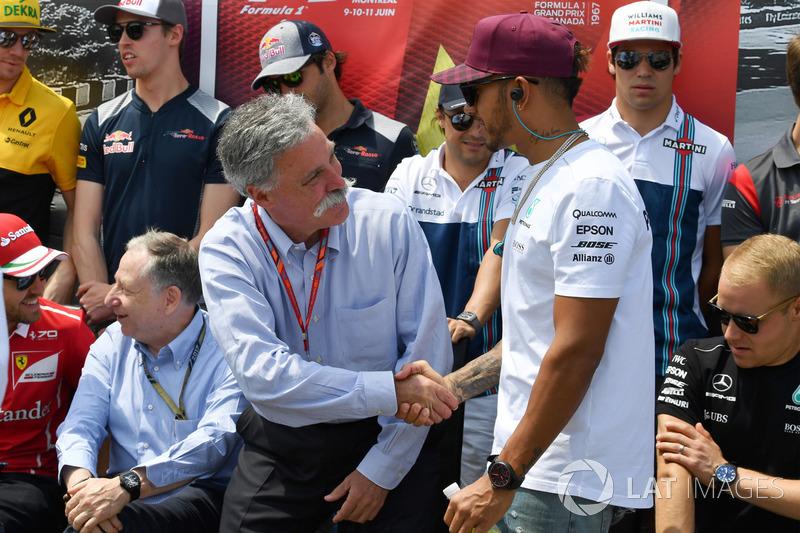 Lewis Hamilton, Mercedes AMG F1, mit Chase Carey, Formel-1-Chef