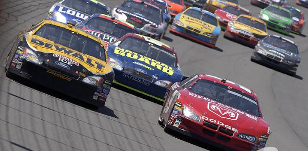 NASCAR realigns 2005 schedule