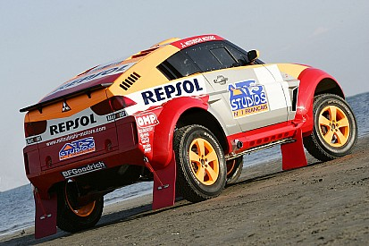 Mitsubishi announces Dakar vehicles