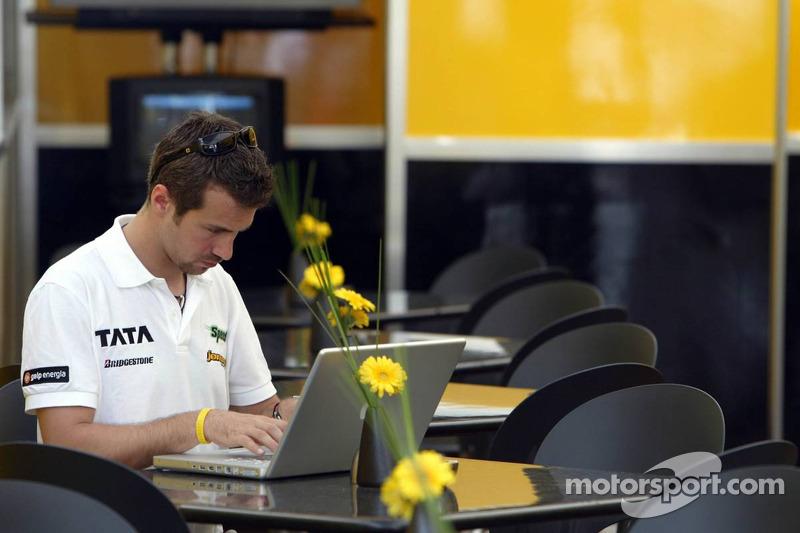 Monteiro equals Stewart's record