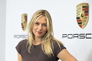 Уэббер прокатил Марию Шарапову на Porsche GT2 RS