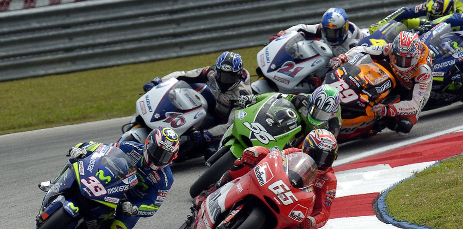 Capirossi wins the race, Rossi the championship