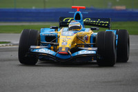 Alonso takes over at Silverstone