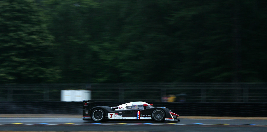 Peugeot fastest in warm-up