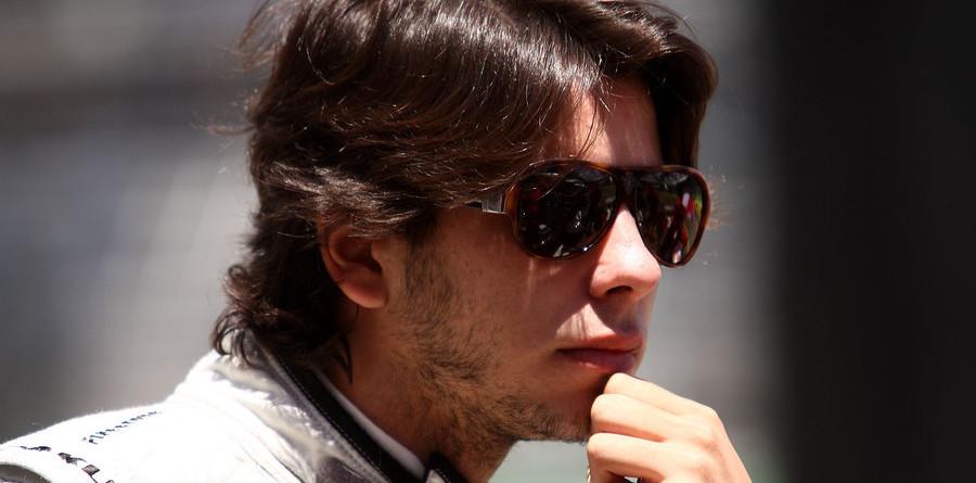 Moraes shifts to KV Racing in 2009