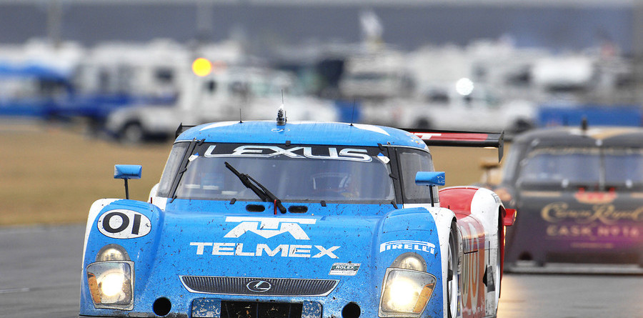 Ganassi leads in closing hours at Daytona