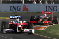 Busy stewards penalize Trulli, Vettel