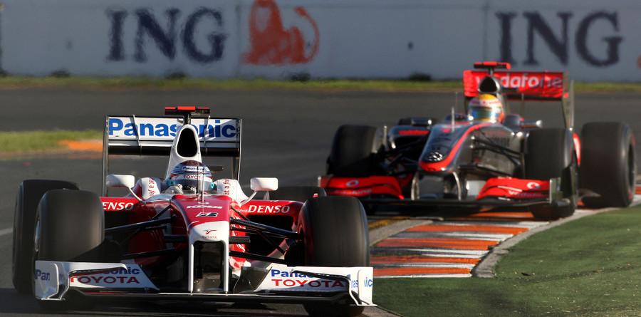 Busy stewards penalize Trulli, Vettel