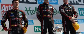 BTCC Thruxton's speed nets new 2009 winners and drama