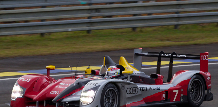 Audi surprises with fastest time in the warm-up