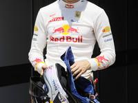 Vettel takes the European GP pole in Valencia