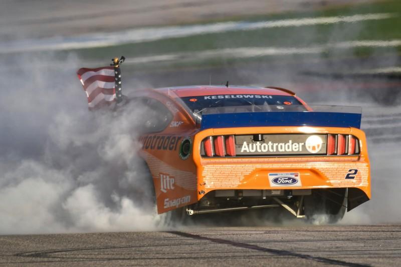 NASCAR in Atlanta: Keselowski gewinnt Herzschlagfinale