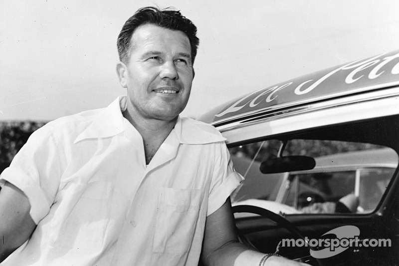 NASCAR Inducts Second Hall of Fame Class
