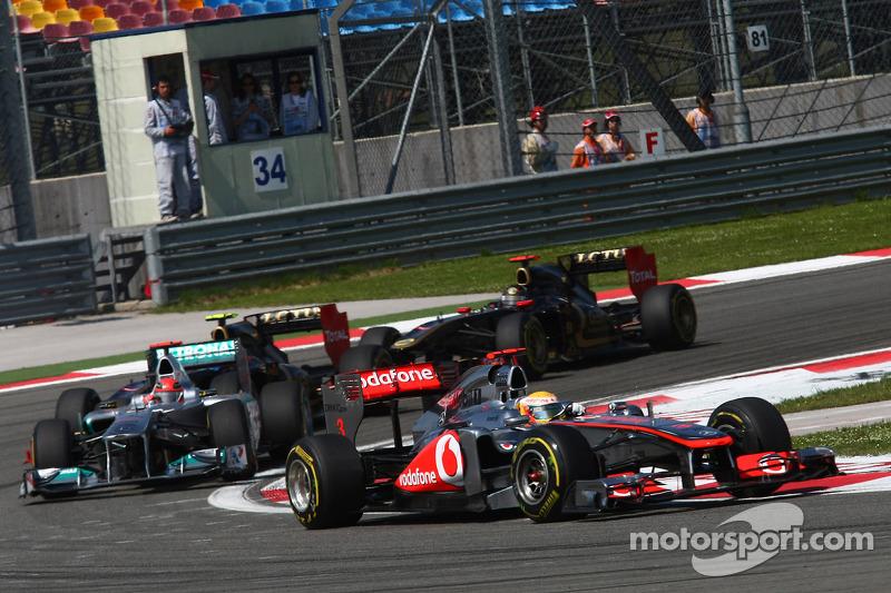 Schumacher denies blocking Hamilton to help Vettel