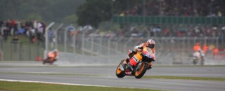 MotoGP Stoner Earns The British GP Win In The Rain