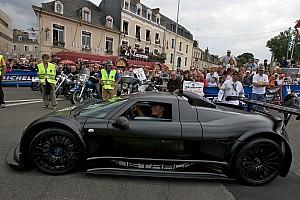 Formula 1 Sutil Crashes Supercar At Nordschleife