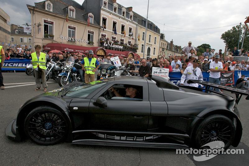 Sutil Crashes Supercar At Nordschleife