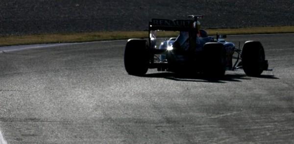 Tom Cruise turns laps in Red Bull Team F1 car