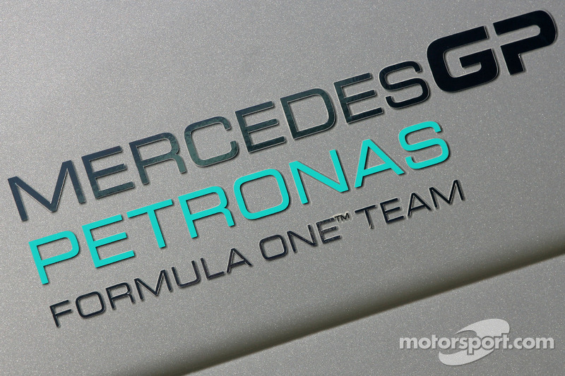 Mercedes races into 2012 with 'a lot' of tech bosses