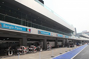 Formula 1 Renault Sport prepared on the simulator for Indian Grand Prix