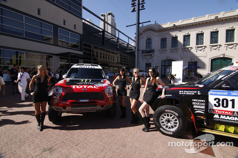 Team X-raid fields eight vehicles in 2012 Dakar Rally