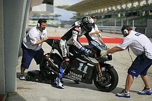 MotoGP Spies leads Lorenzo on day two of Sepang test