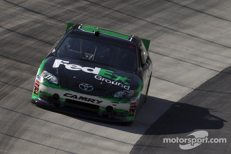 Hamlin holds on to claim victory at Kansas