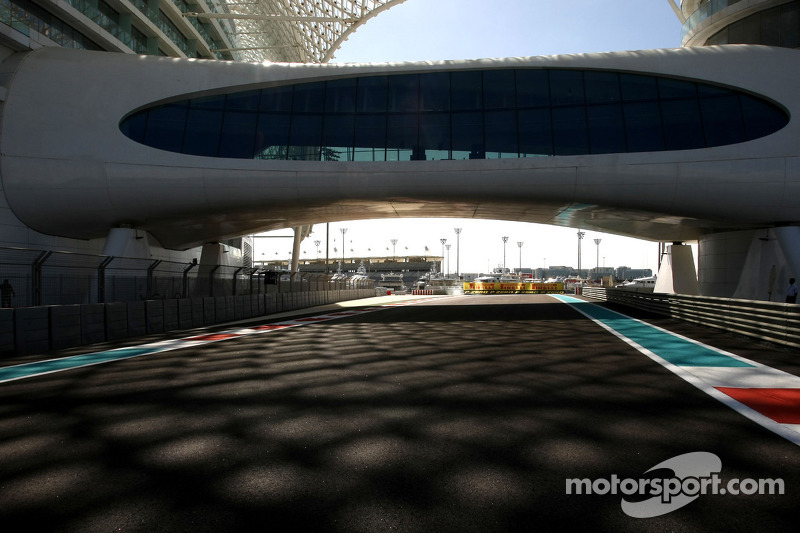 McLaren to join Red Bull teams at Abu Dhabi test