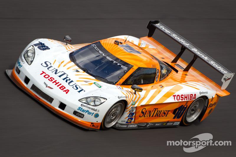Ricky Taylor puts the SunTrust Corvette on the pole at NJMP