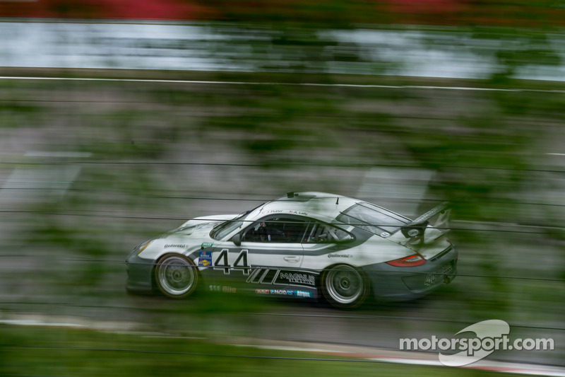 Porsche teams face washout of qualifying at Road America