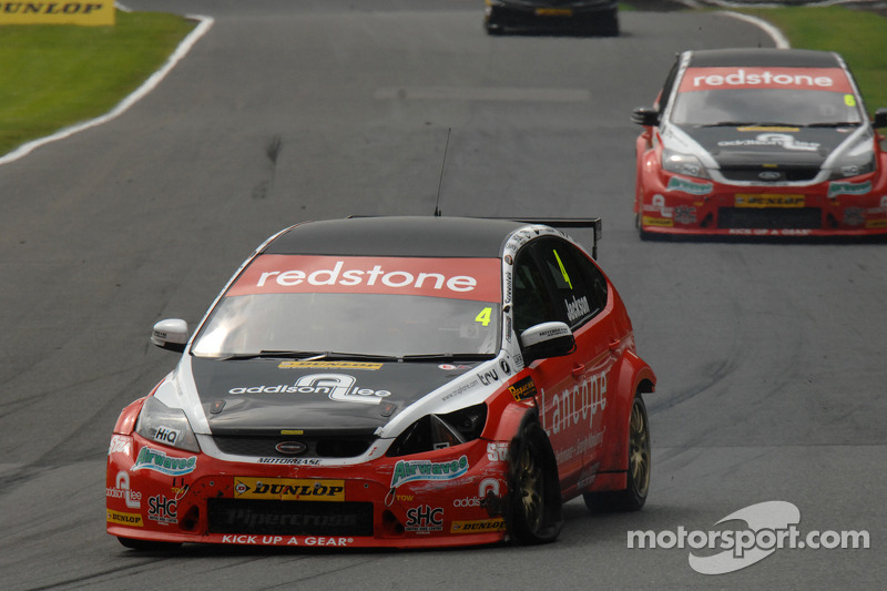 Redstone Racing reignite Independent fight at Rockingham