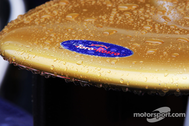Two electrocuted at Toro Rosso factory - report