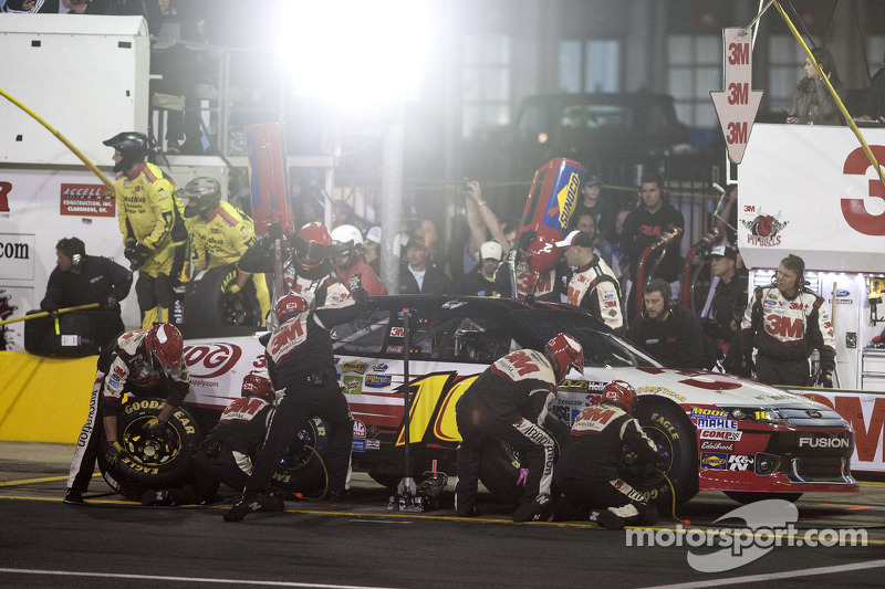 Biffle top Ford finisher with a fourth place in Charlotte 500