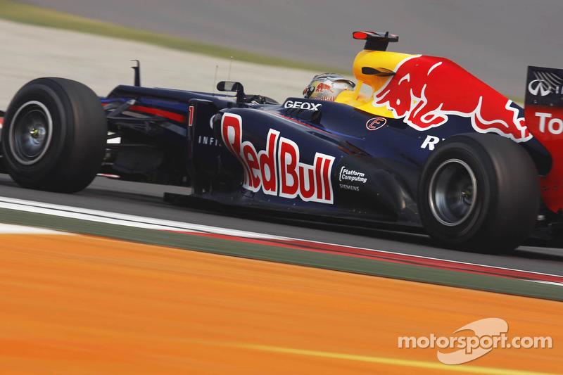 Vettel hits back at Alonso's 'Newey' jibes