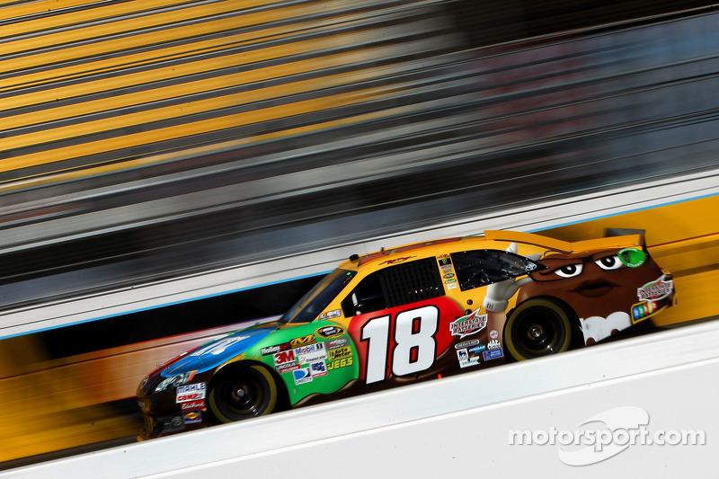 Kyle Busch top Toyota driver, takes pole for Phoenix 500