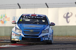 WTCC Qualifying report Chevrolet claims top spots in Macau