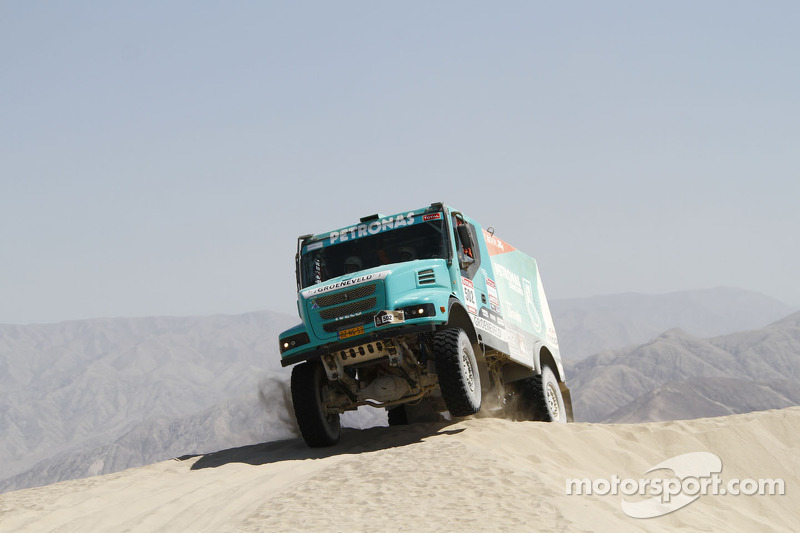 Truck Race - The dawn of a turquoise age?