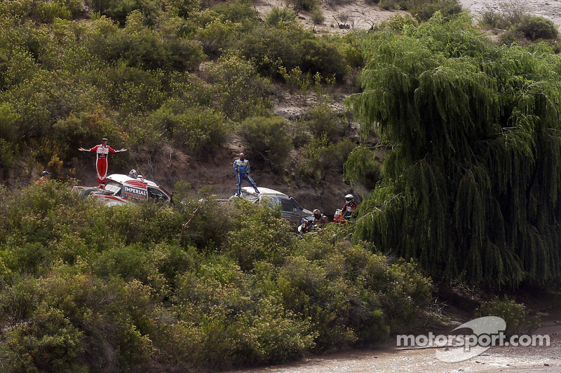 Barreda wins in Bikes while Cars await stage 8 cancellation ruling