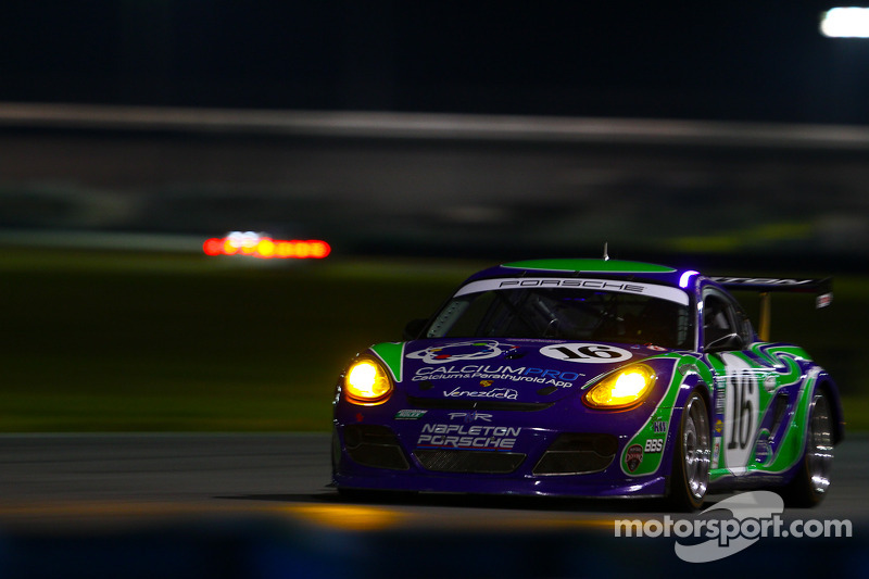 Napleton Racing leads GX Class at hour4 in Rolex 24 At Daytona