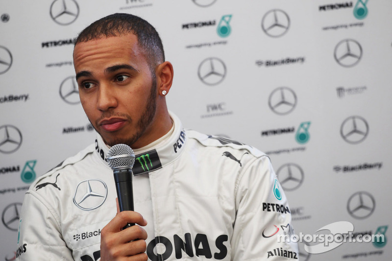 Bosses 'fools' to overlook Kovalainen - Hamilton
