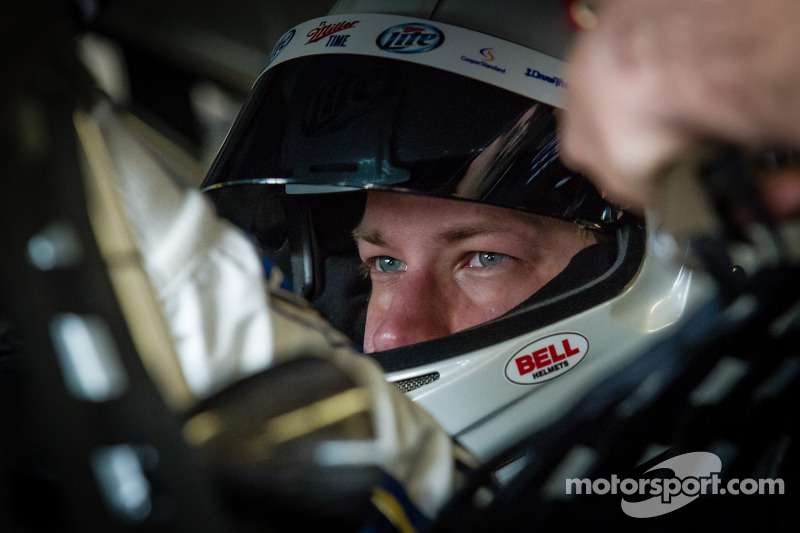 Keselowski and Bowyer on front row in Las Vegas thanks to the weather