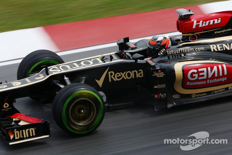 Red Bull, Mercedes, want 2012 Pirelli tyres return