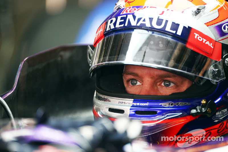 Surer thinks Lauda chasing Vettel for Mercedes