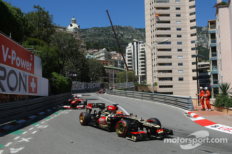 Lotus firm as Pirelli continues with old tyres