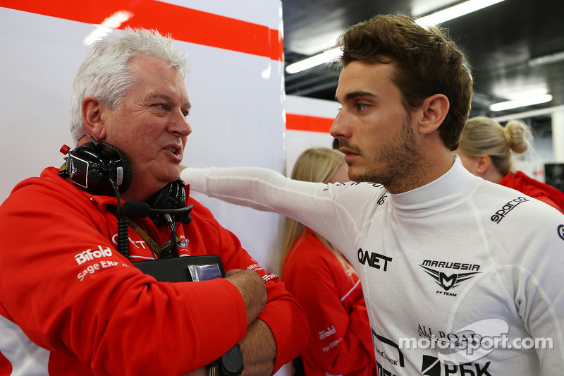 Marussia duo 'half a second' slower than Alonso - Symonds