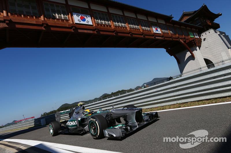 Hamilton stays ahead in Korea